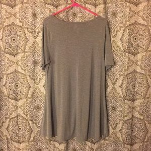LuLaRoe Tops - LuLaRoe Grey Heathered Perfect Tee Medium